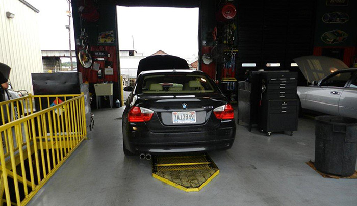 oil-change-saab-tire-birmingham